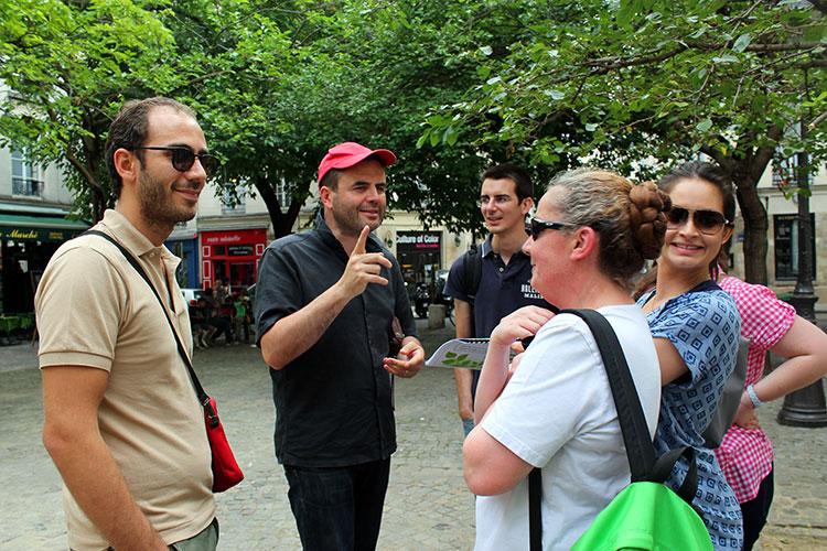 Rallye dans Paris avec un téléphone phone game